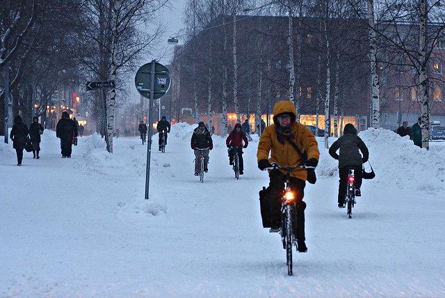 oulu-findland-winter-cyclists-copenhagenize-com
